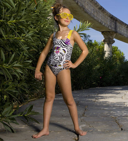 Лс модели голые девочки без трусиков » Личные фото: http://porno-doma.xyz/foto/7073-ls-modeli-golye-devochki-bez-trusikov.html