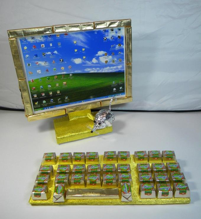 Подарок своими руками на компьютере