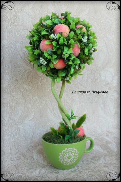 Топиарий с персиками