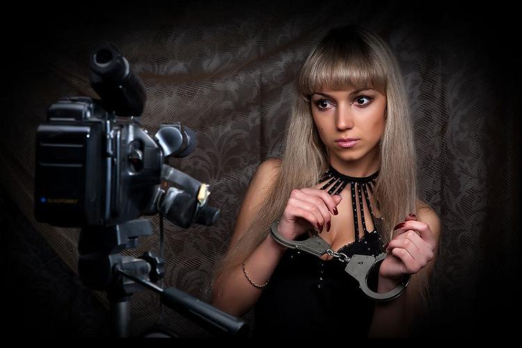 связаные девушки фотографии